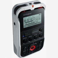 Roland High-Resolution Audio Recorder R-07 White